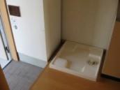 室内洗濯機置場 電気温水器